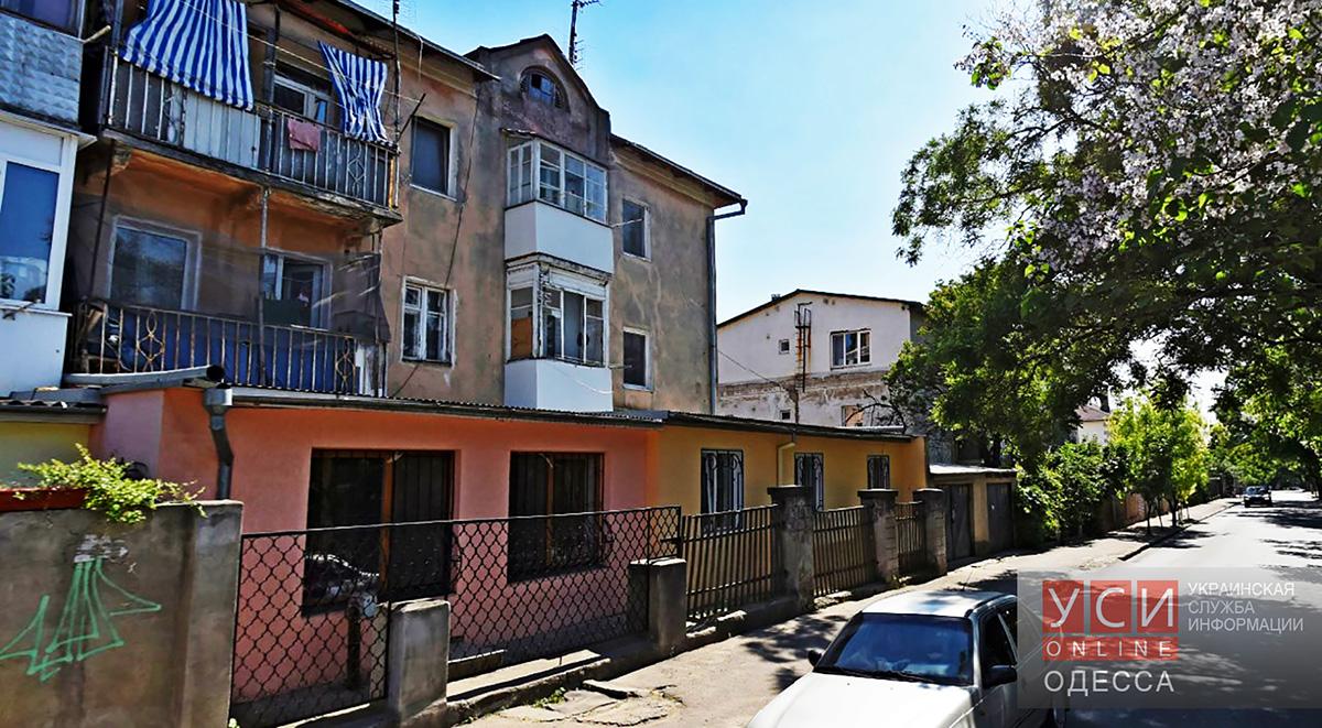 Жителей улицы Каманина хотят лишить не только солнца, но и воздуха «фото»