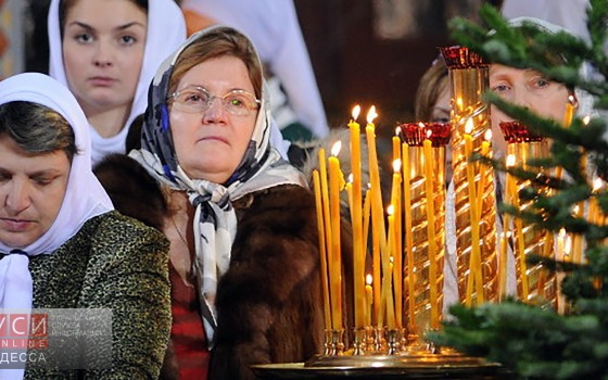Киевский Патриархат зовет одесситов встречать Новый год без зомбоящика — в церкви «фото»