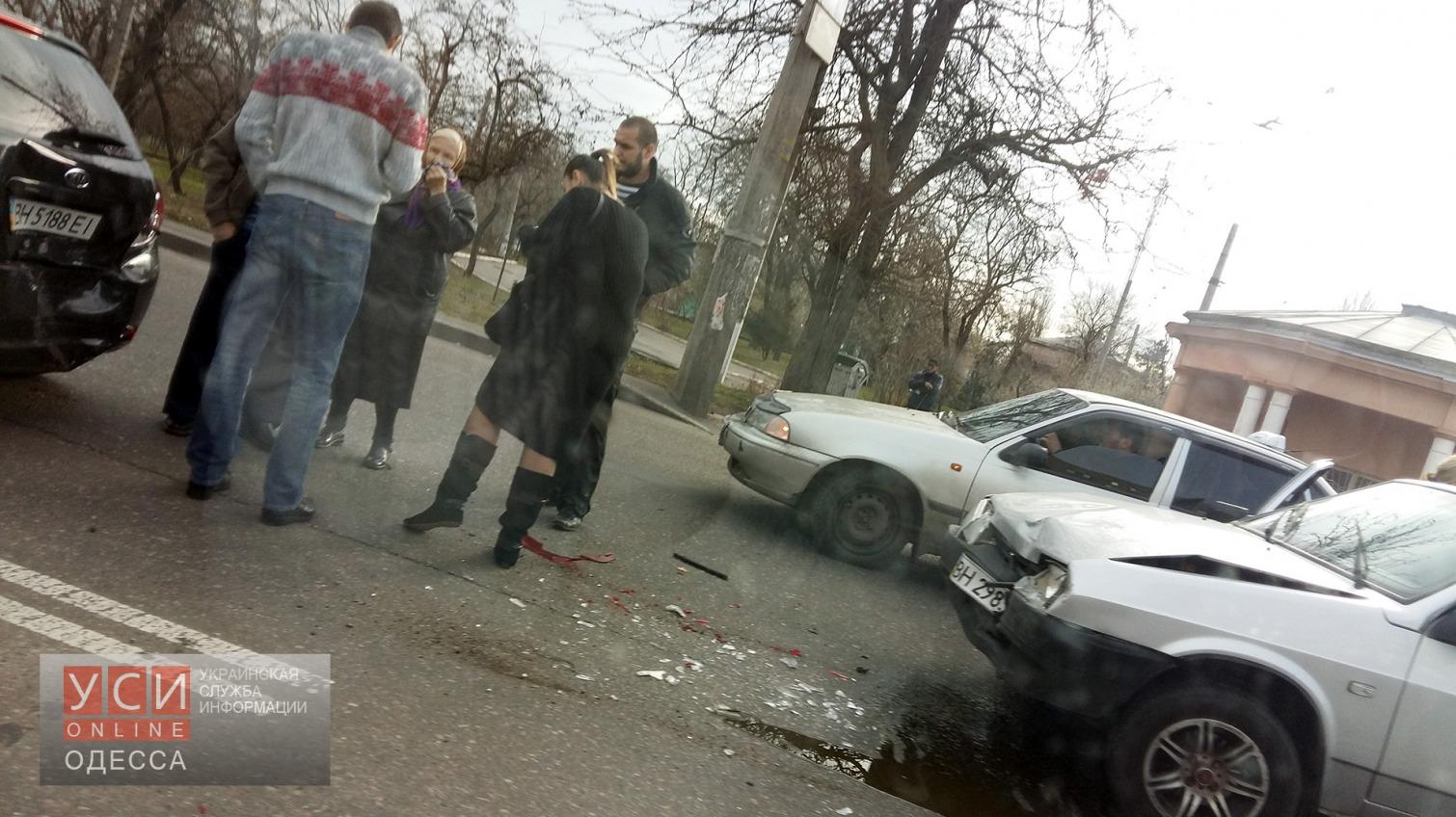 Столкновение «девятки» и KIA приостановило движение в сторону поселка Котовского «фото»