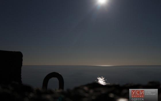 Одессу осветила «холодная» луна (фото) «фото»