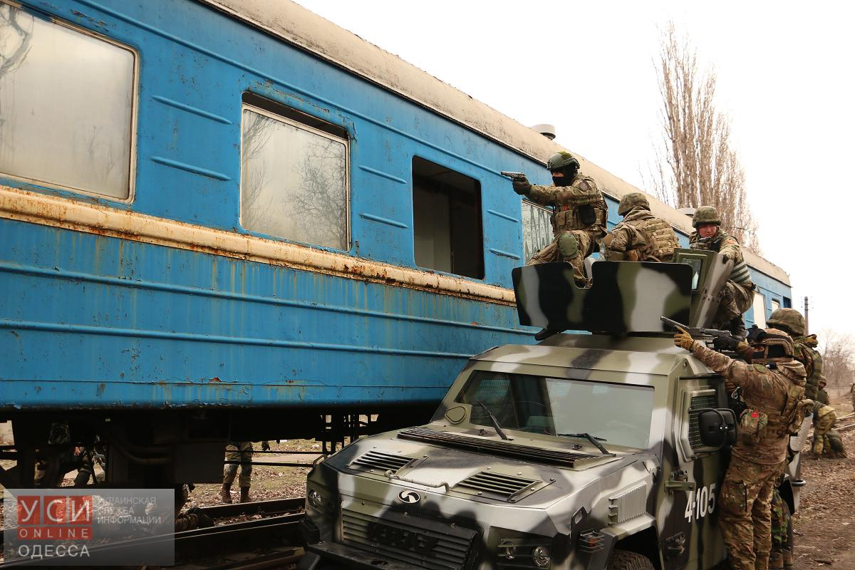 Одесский спецназ учится по программе антитеррора (фото) «фото»