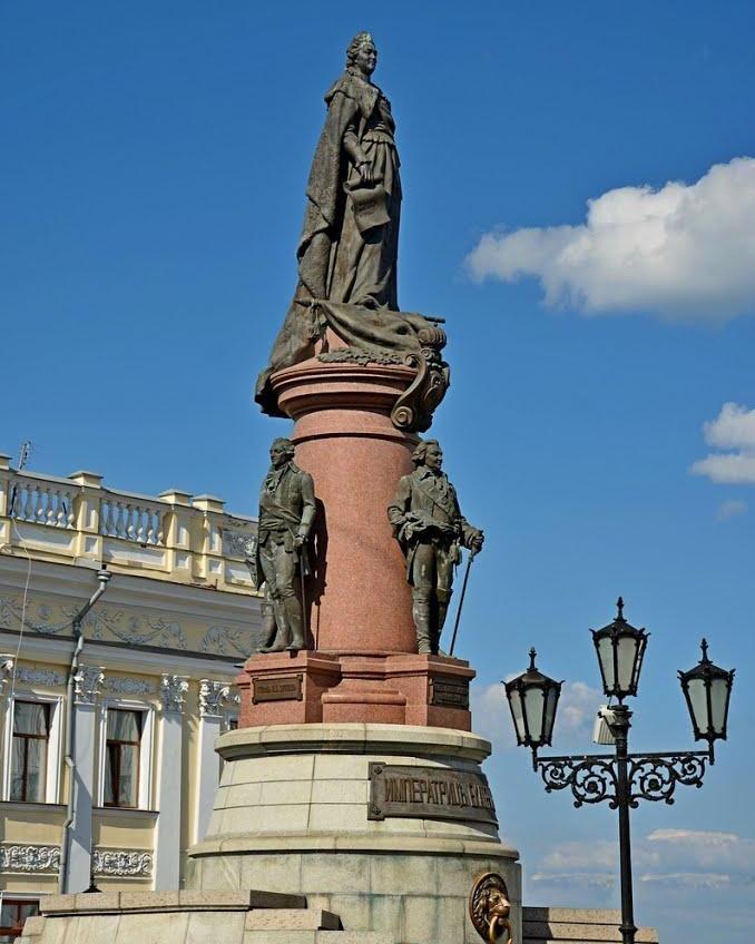 Памятник «Основателям Одессы» будет охранять полиция «фото»