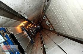 В деле о гибели ребенка в шахте лифта сменили статью