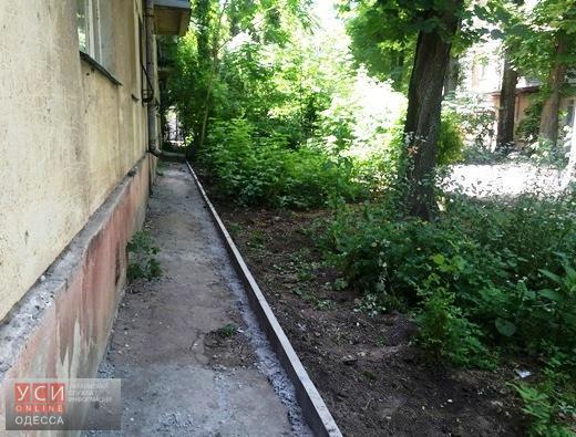 В Одессе впервые с 70-х годов взялись на ремонт внутриквартального проезда на Сегедской (фото) «фото»