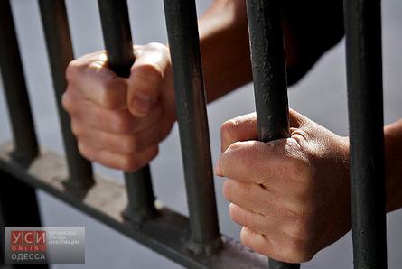 В Одессе осужден мошенник, который продал 35 людям несуществующие окна «фото»
