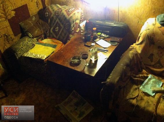 Кровавая драма в Одессе: жена едва не зарезала мужа за завтраком(фото) «фото»