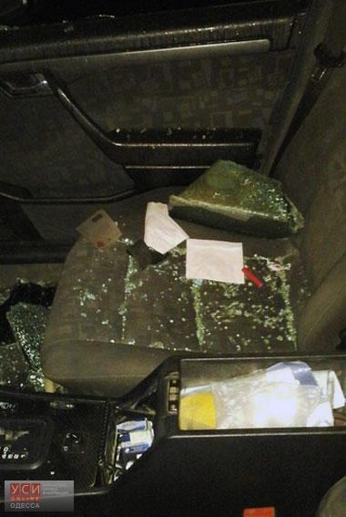 В Одессе задержали подростка, который за несколько минут обокрал три автомобиля (фото)