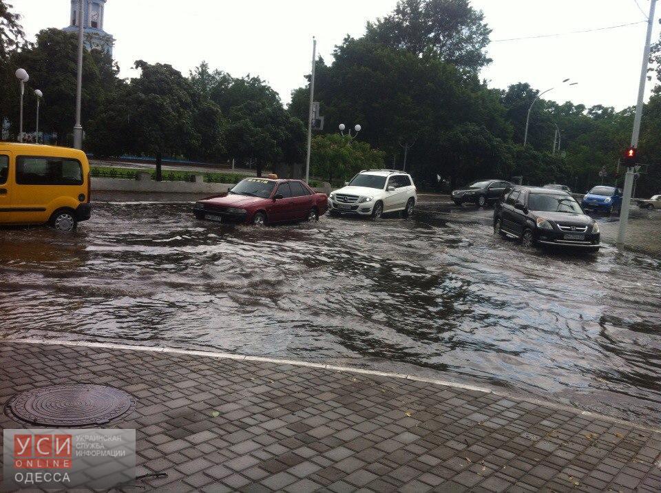 Центр Измаила снова затопило (фото) «фото»