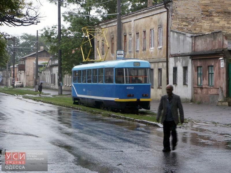 Общественный транспорт возобновляет свою работу, но Пересыпь все еще затоплена