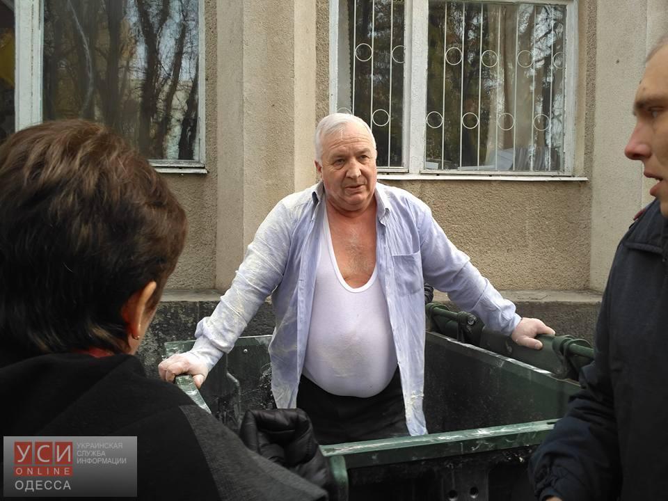 Экс-председателя Ананьевского райсовета закинули в мусорку