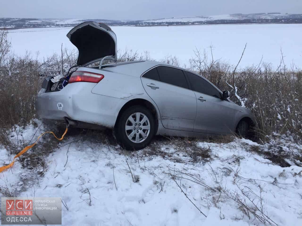 Автомобиль Надежды Савченко слетел сдороги вОдесской области