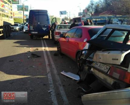 ВОдессе нетрезвый шофёр устроил ДТП сшестью автомобилями