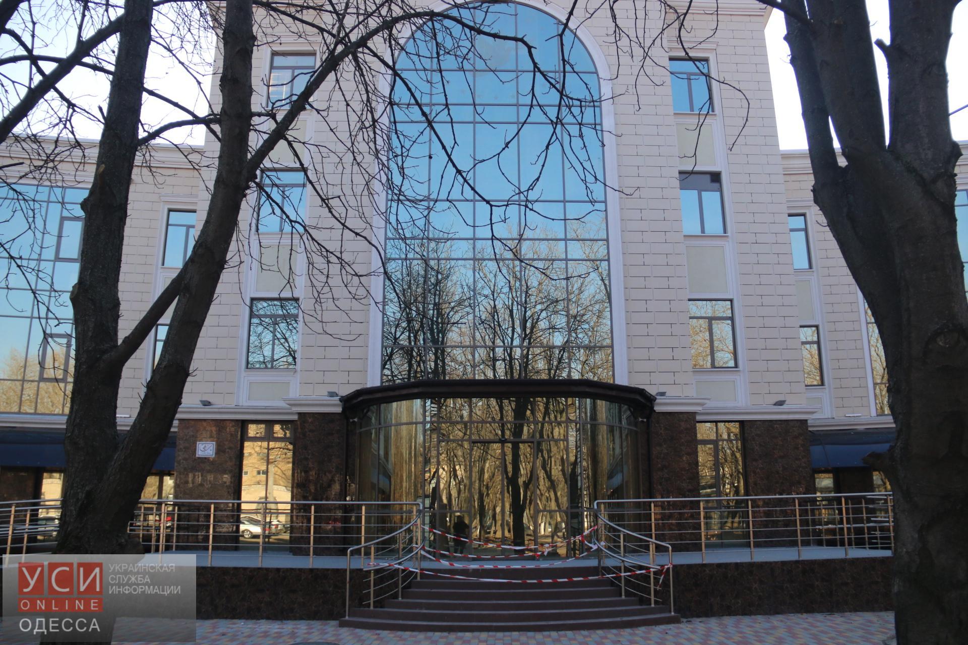 Забота по-мэрски: за пять месяцев Труханов так и не запустил больницу скорой помощи в работу