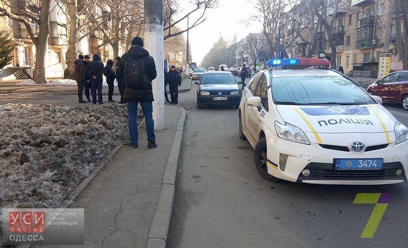 ВОдессе шофёр легковушки обстрелял микроавтобус, подрезавший его
