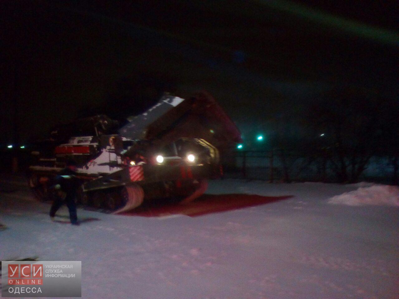 Метель продолжается в Одесской области: из снежных заторов уже спасли более 500 человек (фото)