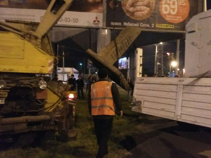 Коммунальщики демонтировали памятный знак Жукову (фото) «фото»