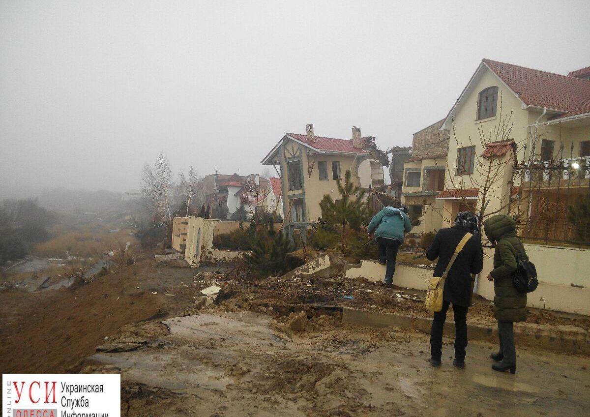 На ликвидацию первой очереди оползневых процессов в Черноморске необходимо 102 миллиона (фото) «фото»
