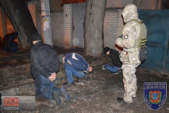PM352image001 В Одессе задержали иностранную преступную группировку: мужчины грабили офисы и банки  (фото)