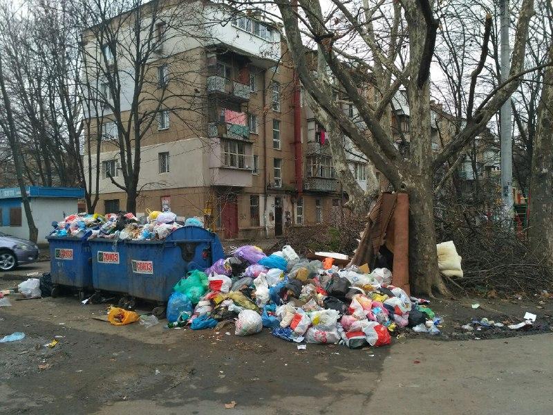 С Нового года одесситы будут платить за вывоз мусора больше «фото»