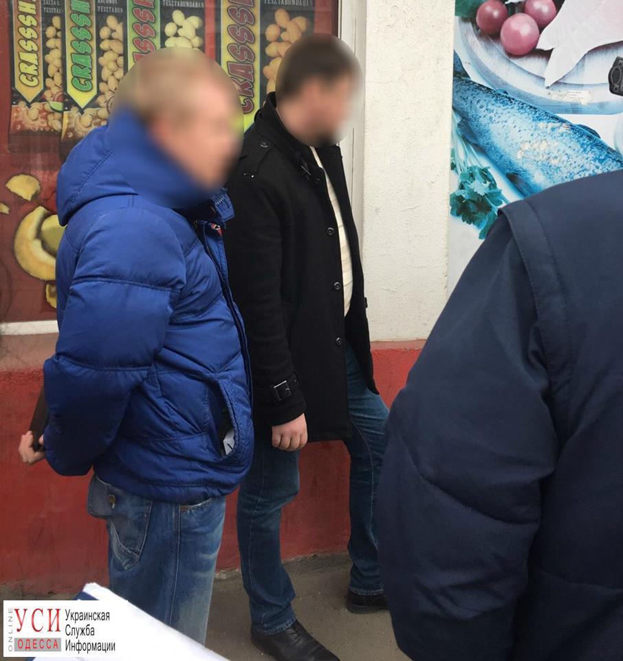 ВОдессе работник горсовета попался навзятке