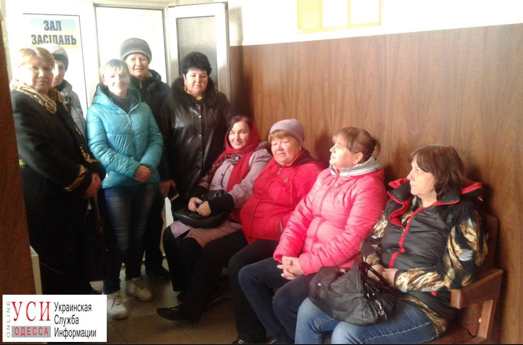 Сооружение милиции ипоселкового совета вОдесской области захватили вооруженные люди