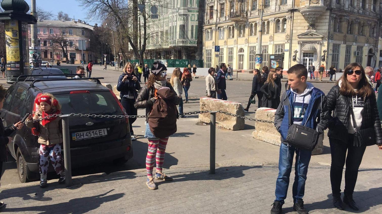 Неизвестные разрушили мемориал погибшим 2-го мая на Дерибасовской (фото) «фото»