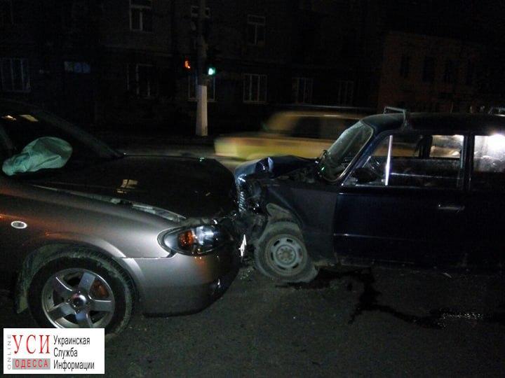 Женщина и ребенок пострадали в ночном ДТП в Одессе (фото) «фото»