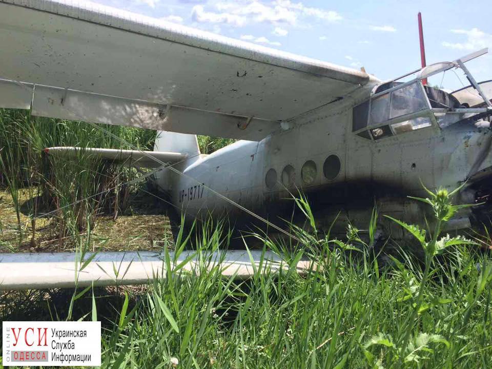 Отказ двигателя: в Одесской области аварийно сел самолет «фото»