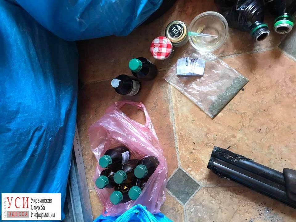В Одессе провели обыск у вооруженных наркоманов (фото) «фото»