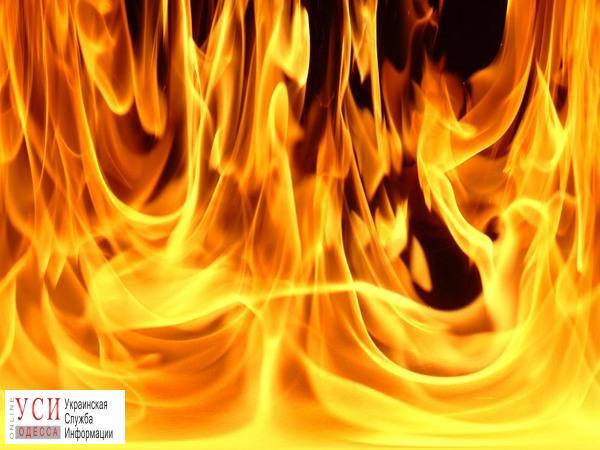 Пожар на поселке Котовского: машина спасателей не доехала до места происшествия (видео) «фото»