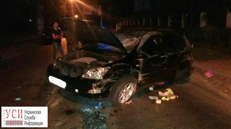 Ночное ДТП в Аркадии: пострадала женщина (фото) «фото»