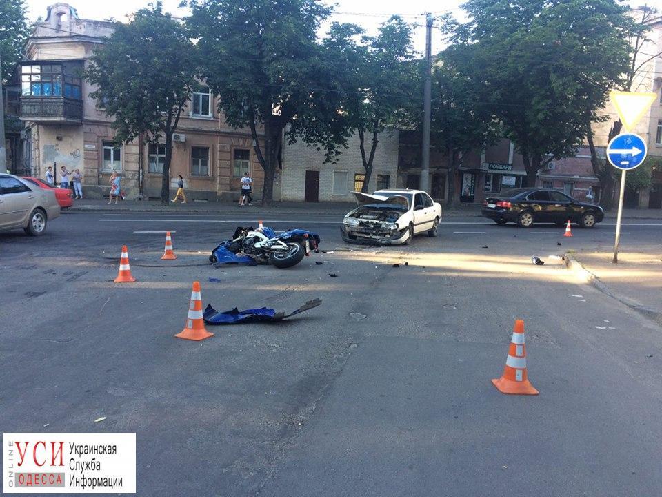 ДТП на Молдаванке: автомобиль сбил мотоциклиста (фото) «фото»