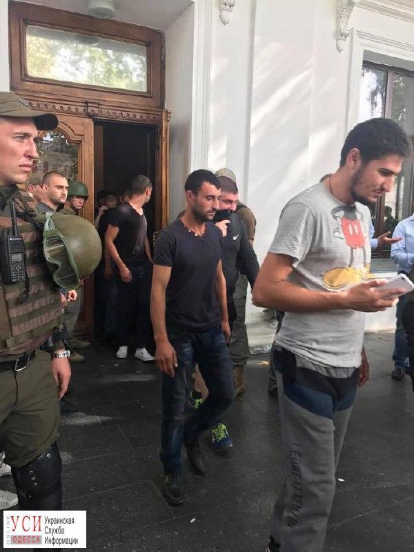 Активист «Уличного фронта» охранял Труханова во время сессии – его уже выгнали из организации «фото»