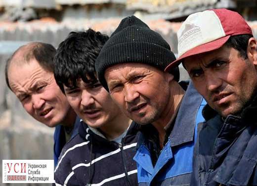 Из-за нелегальных мигрантов полиция проведет рейды на рынках, вокзалах и в общежитиях Одессы «фото»
