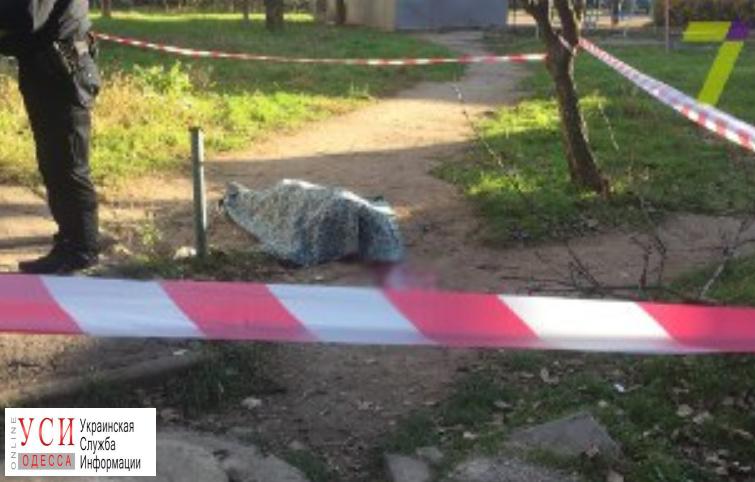 Пенсионерка выпала из окна на 6-м этаже в Суворовском районе (фото) «фото»