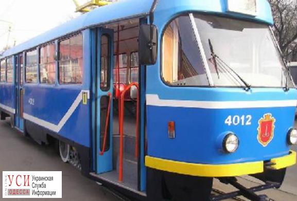На площади Толбухина трамвай сбил женщину: она доставлена в больницу «фото»