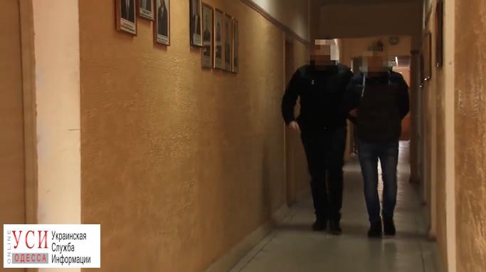 На Черемушках мужчина ночью напал с ножом на студента (видео) «фото»