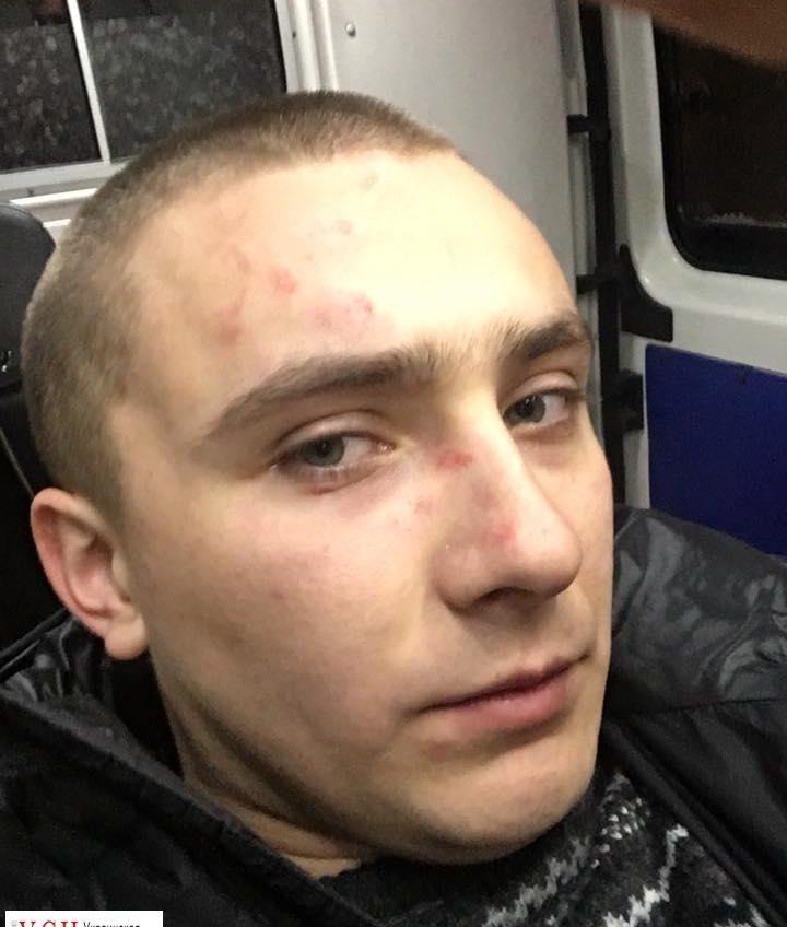 Неизвестные напали на активиста Стерненко у его дома (обновлено) «фото»