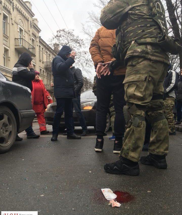 В центре Одессы спецназ с погоней задержал преступника (фото) «фото»