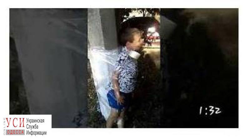 Дети в Арцизе поиграли в «журналистов»: привязали мальчика с инвалидностью к столбу и издевались над ним «фото»
