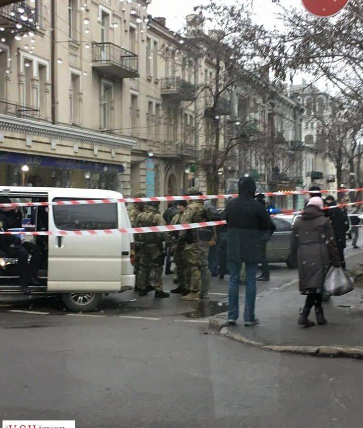 Подробности задержания на Александровском проспекте: ловили члена ОПГ «фото»