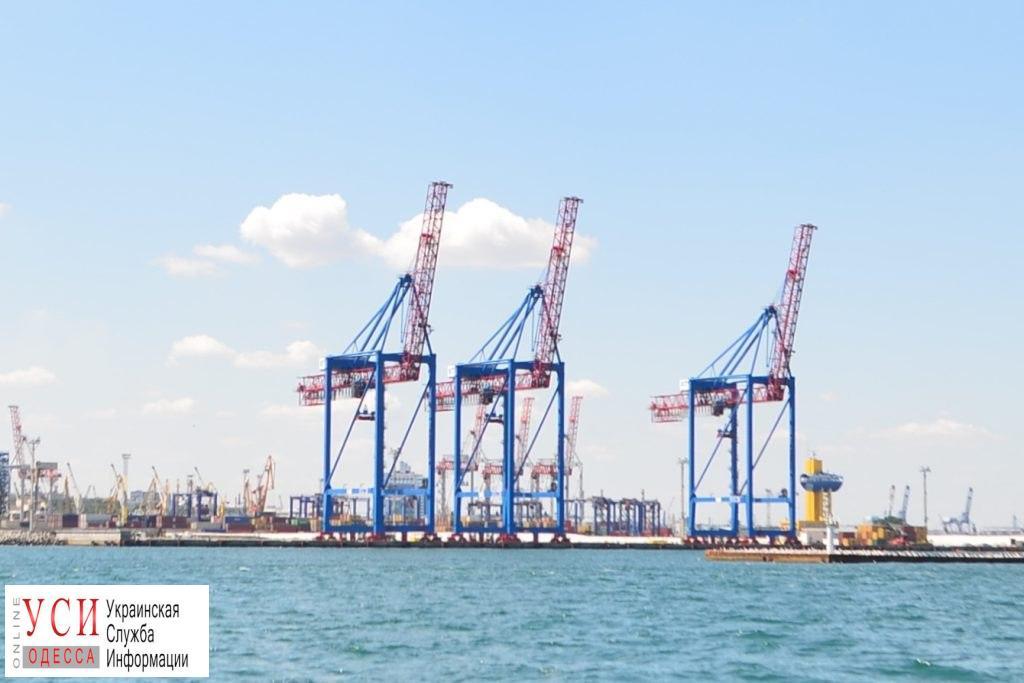 В Одесском порту возобновят строительство волнолома «фото»