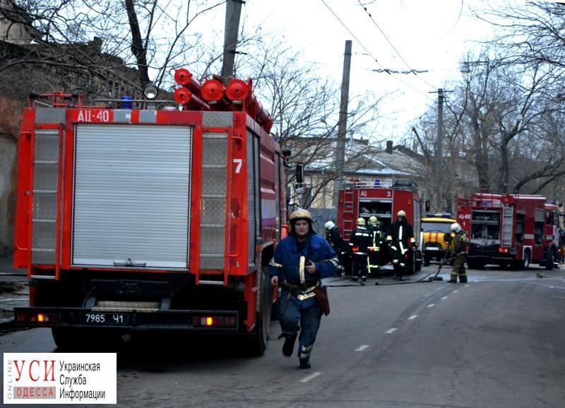В центре Одессы двое горожан сгорели в собственной квартире (фото, видео) «фото»