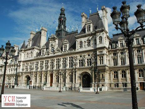 На фасаде парижской мэрии вывесят фото Олега Сенцова «фото»