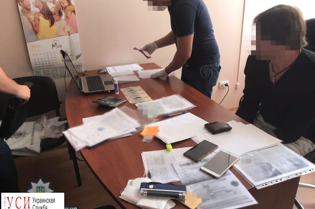 Директор одесского крюинга за взятку отправлял моряков в рейсы «фото»