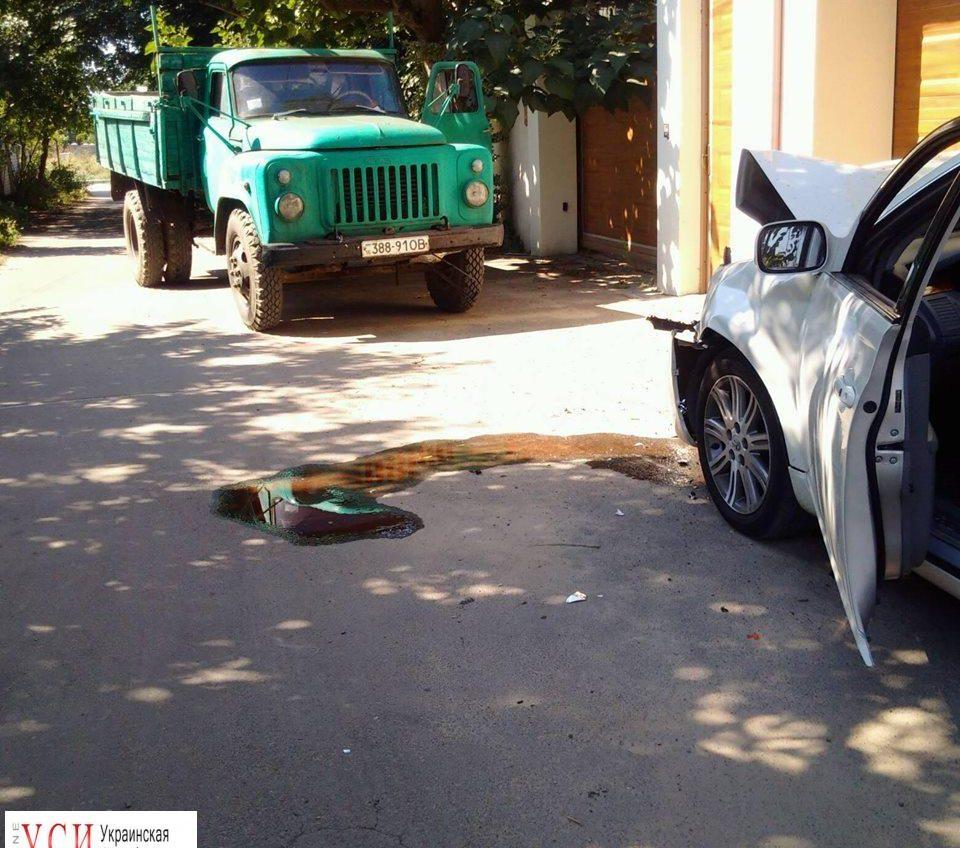 Наезд на автомобиль активистов полиция квалифицирует как покушение на убийство «фото»