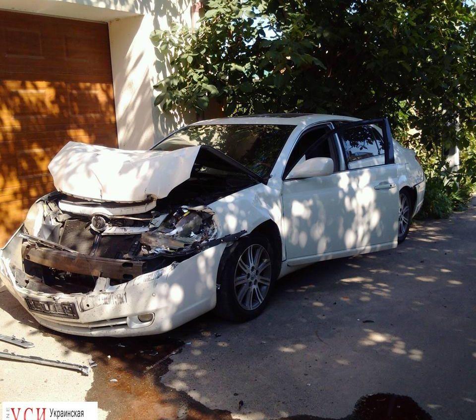 Машину одесских активистов протаранил грузовик: они подозревают покушение (фото) «фото»