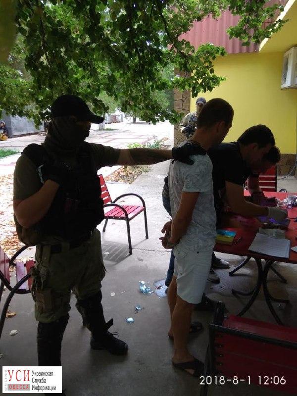 Одесская полиция задержала адвоката, который вымогал миллион гривен (фото) «фото»