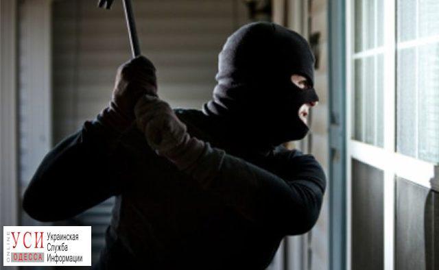 Подозреваемых в ограблении лотомаркета на 200 тысяч отпустили из-под стражи «фото»