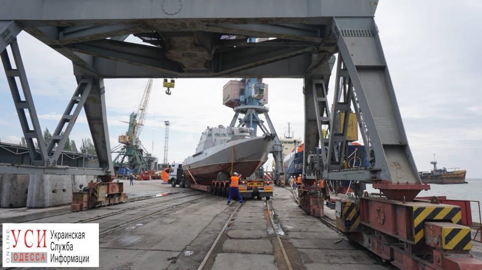 Усиление на Азовском море: два бронекатера перебросили из Одессы в Бердянск по железной дороге (фото) «фото»